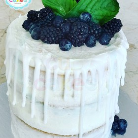 Dripped & naked cake
