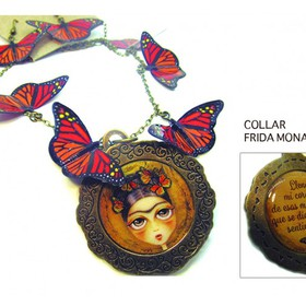 Collar Frida mariposas.