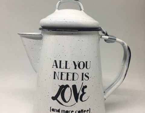 Tetera 3/4 - All you need is love and more coffee