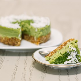 Matcha raw pie