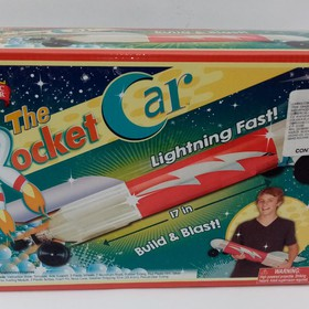THE ROCKET CAR (COCHE COHETE)